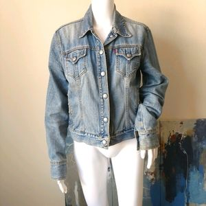 Levi's M vintage distressed jean jacket tr…